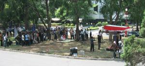 http://www.wisnu.staff.ugm.ac.id/blog/wp-content/uploads/2006/11/mimbar%20bebas.thumbnail.jpg